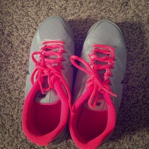 Nike H20 Repel. Size 5y or women's 7